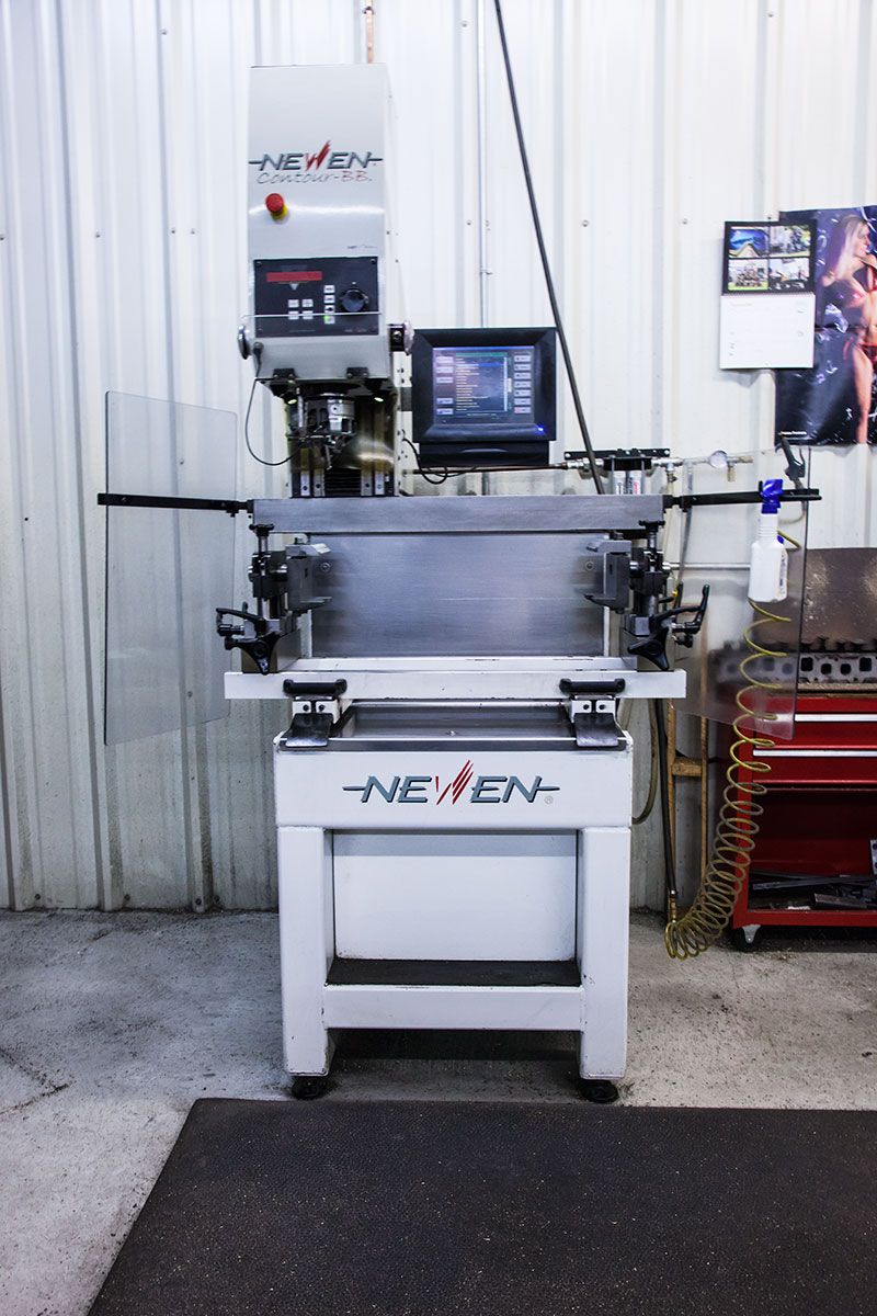 Newen Contour BB Machine
